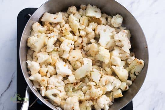 Low Carb Mashed Cauliflower Recipe KETO | @eatbetterrecipes